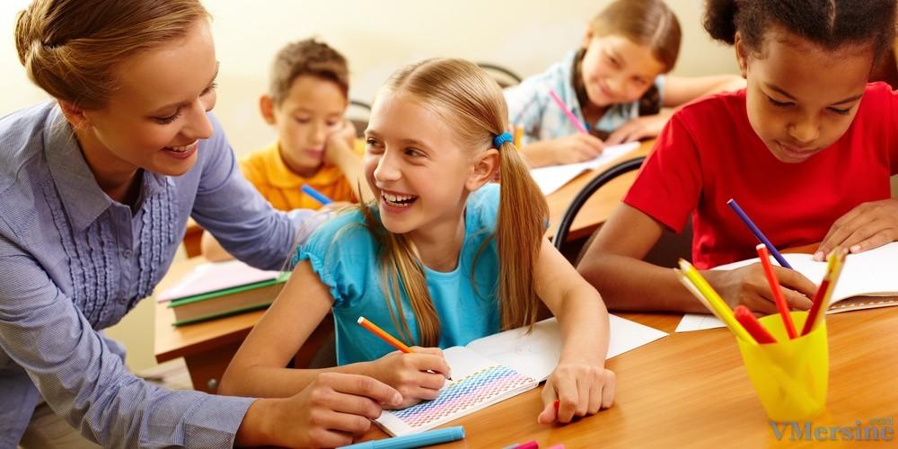 играть ученики о своей школе на английском сезон Где